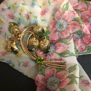 Vintage Sarah Coventry 1960s Brooch & clip earring
